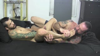 Draven Torres cums all over his cute bare feet