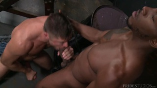 big-dicked bottom takes a niner up his ass