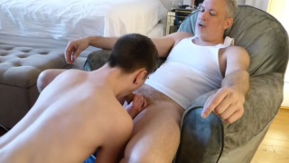 Xander is a moaner when he gets fucked