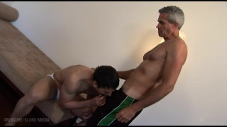 Derek Anthony porno gay trentenaire mamans porno tube