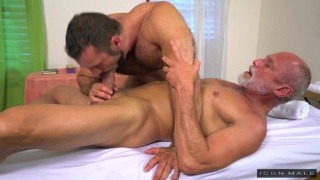 younger muscle hunk fucks his older teacher