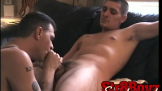 Guy gets first gay blowjob in his life