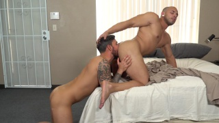 guy discovers his muscle hunk's morning wood
