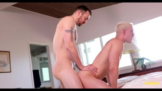 muscled top with big dick fucks a guy with bleach blond hair
