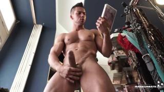muscle hunk Angelo Godshack jerks off
