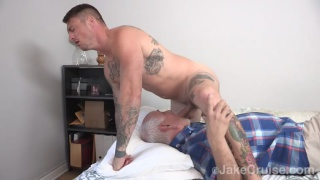 Dane Stewart face fucks older cocksucker