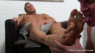guy worships his sexy roommate's feet