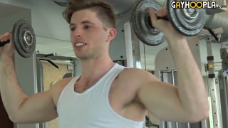 stud jacks out after a bicep workout