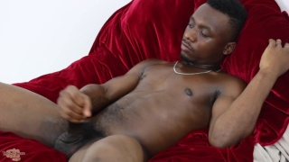 chicago versatile stud strokes his fat dick