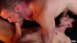 guy gets lucky with a very well-hung man