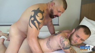 Beau Bearden bare fucks Ryan Powers