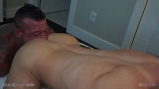 eager to please bottom gives his ass to Ray Dalton