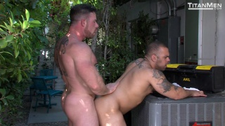 hairy muscle daddy fucks cub bodybuilder outdoors