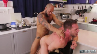 hans berlin bends over the counter and leo forte fucks him