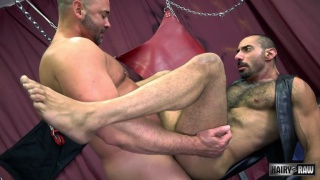 beefy hunk bare fucks hairy guy on bench