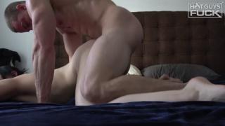 muscle hunk derek jones fucks a bespectacled woman