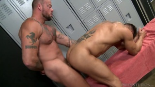 tatted muscle hunk fucks ass in the locker room