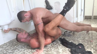 muscle daddy gets fucked on the toilet floor